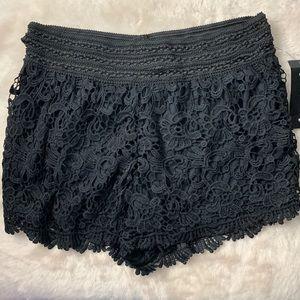 New! Lace black shorts